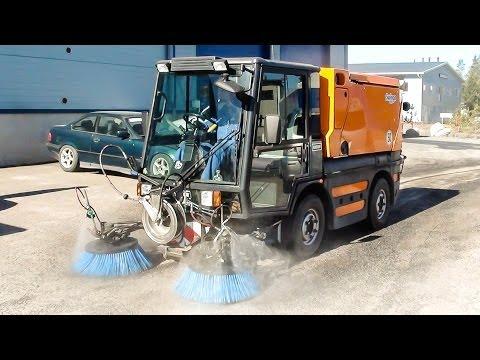 High pressure water mist vs low pressure water in street cleaning