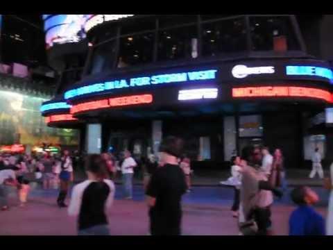 Times Square.AVI