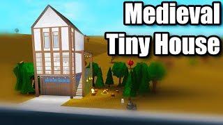 Medieval Tiny House • Roblox: Bloxburg • 73K