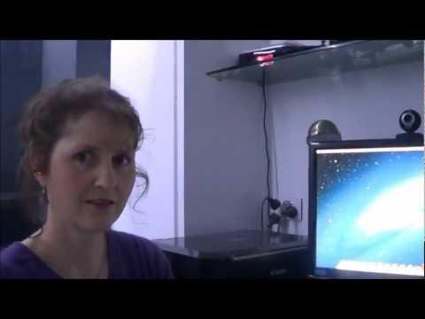 Mum tries Mac OSX 10.8 Mountain Lion (2012)