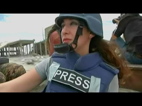 أخبار حصرية | لحظات تختطف الأنفاس عاشتها موفدة اخبار الآن على خطوط التماس مع داعش في #الرقة