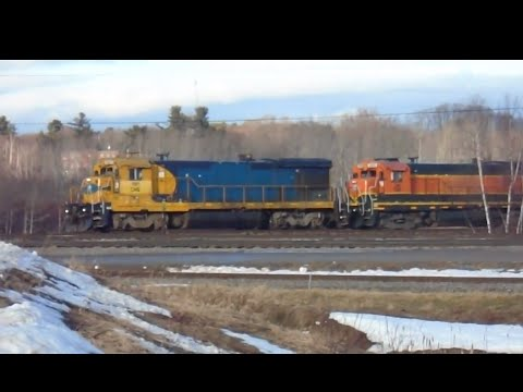 Central Maine & Quebec switching behind LMS warehouse - 12/15/14