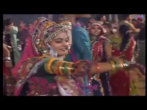 આજ નો ચાંદલિયો - Aaj No Chandaliyo Mane Lage Bahu Valo - Gujarati Live Garba Song