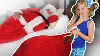 Tory Pretend Play w/ Santa Clause Giving Christmas Presents to Kids