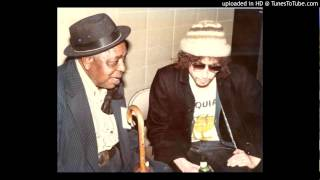 Dylan and Big Joe Williams - Sittin On Top Of The World