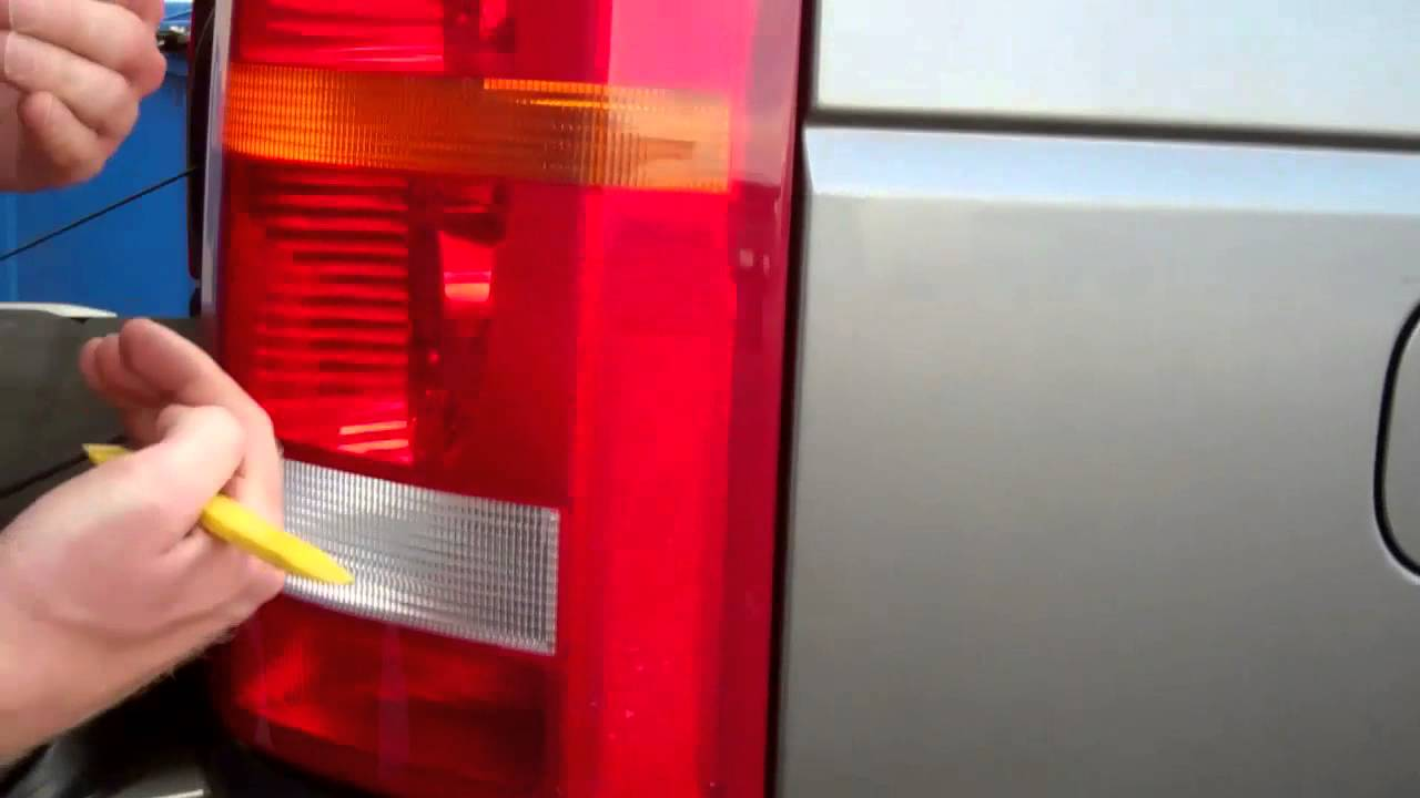small resolution of land rover discovery 2 rear light diagram