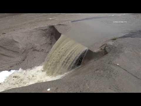 Tijuana River Valley: Tijuana Sewage Flowing into the USA 03102020