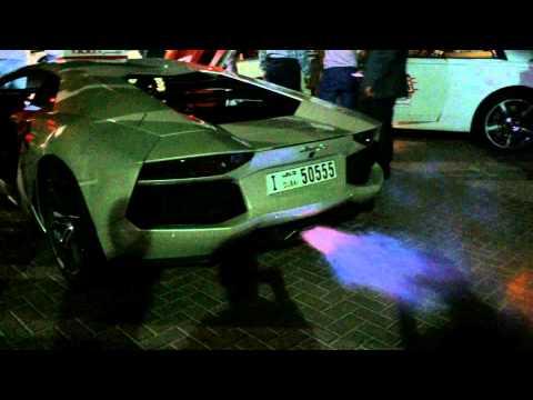Lamborghini Aventador огонь из выхлопа, Skydive Dubai 2014
