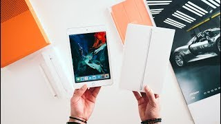 2019 iPad Mini UNBOXING - Worth the Upgrade?