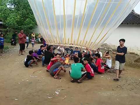 Download Balon udara ds beton