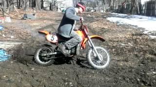 Honda cr 80  dirt bike shreds the mud