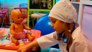ИГРАЕМ В ДОКТОРА с Беби Бон Видео про кукол и пупсиков