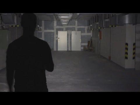 Fenix E05 (85 lumens) - night test for a flashlight on the keys
