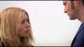 Doctor Who- Journeys end- Doctor and Rose Kiss!!!