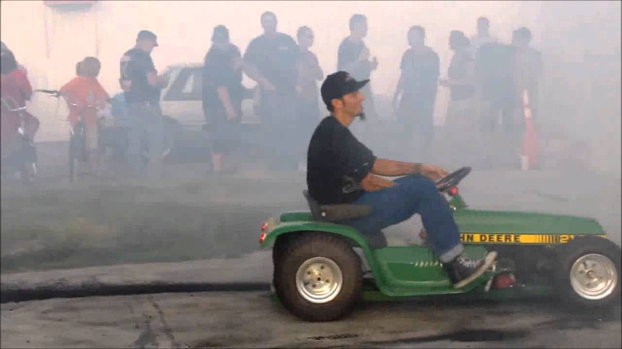 Lawn Mower Racing >> Geelong Lawn Mowing How To Mow Your Lawns Fast - YouTube