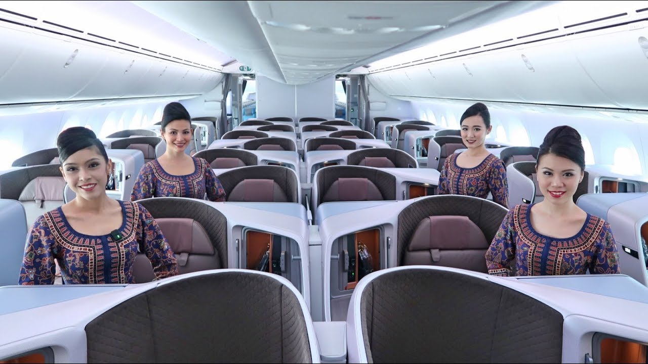 The New Singapore Airlines Boeing 787-10 - YouTube