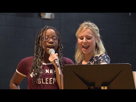 Kristen Bell Recruits Teen To Sing 'Frozen' With Her In Shelter During Irma
