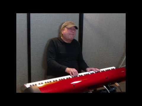 """Learn to play """"Fire And Rain"""" (James Taylor) on piano!"""