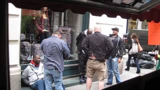 MARCOART STREET CAM CAPTURES NYC NYPD UNDERCOVER COPS BUST SHOPLIFTERS IN SOHO