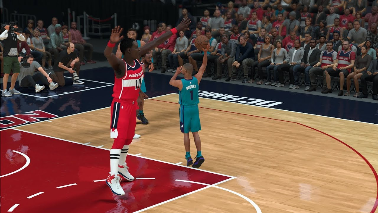 550d4a6e4 Tallest Vs Shortest NBA Player Of All Time! Muggsy Bogues vs Manute Bol  1v1! NBA 2K18 Gameplay!