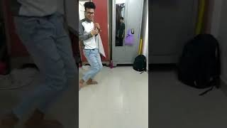 Rahul singh feel dancer.
