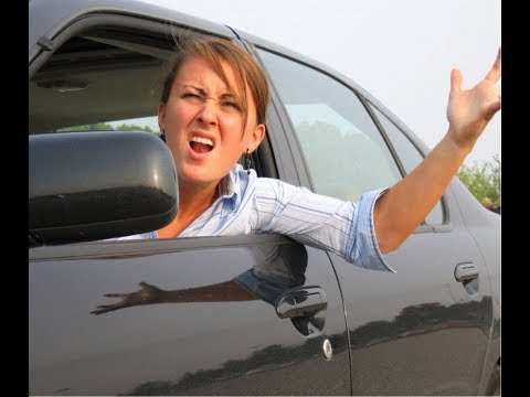 Девушки тупят за рулём [подборка]