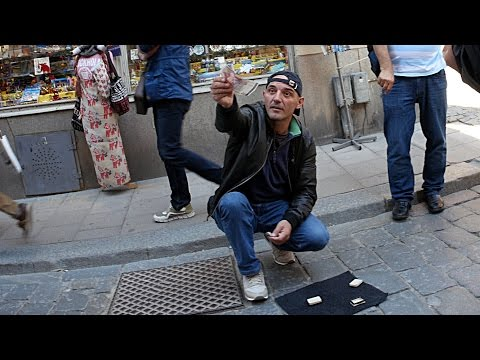 Stockholm gamble scam on the street