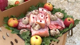 В пензенском зоопарке для белого медведя приготовили праздничное блюдо