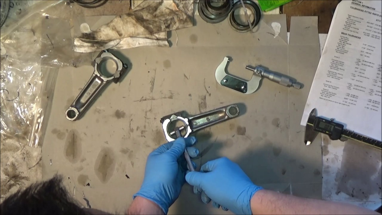 Kohler kt17 Rebuild Part 5: Crankshaft and Connecting rods Cleaning,  inspection and reassembly