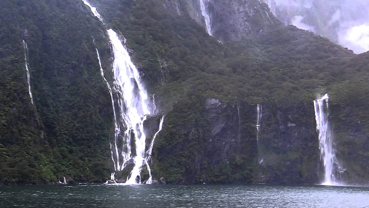 Milford Sound Nz Waterfalls Fiordland National Park