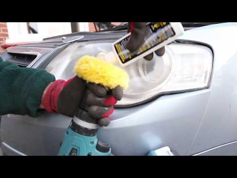 VW Passat Cleaning Cloudy Faded headlight using Meguiars Polish