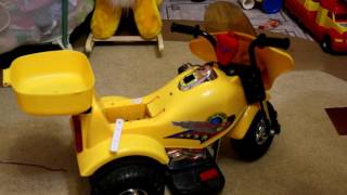 установка 12 вольтової АКБ на дитячий електромотоцикл