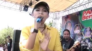 Video Ratna Antika & O.M Monata di Pantai Cahaya - OJO NGUBER WELAS download MP3, 3GP, MP4, WEBM, AVI, FLV Agustus 2017