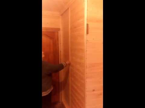 Встроенный шкаф из обрезков деревянной вагонки