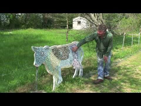 Art Décoration et jardin : les vaches mosaïques de Leory - Avril ...