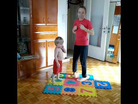 Workout für Mami mit Kids. Eltern-Kind Turnen. Тренировка с детьми.