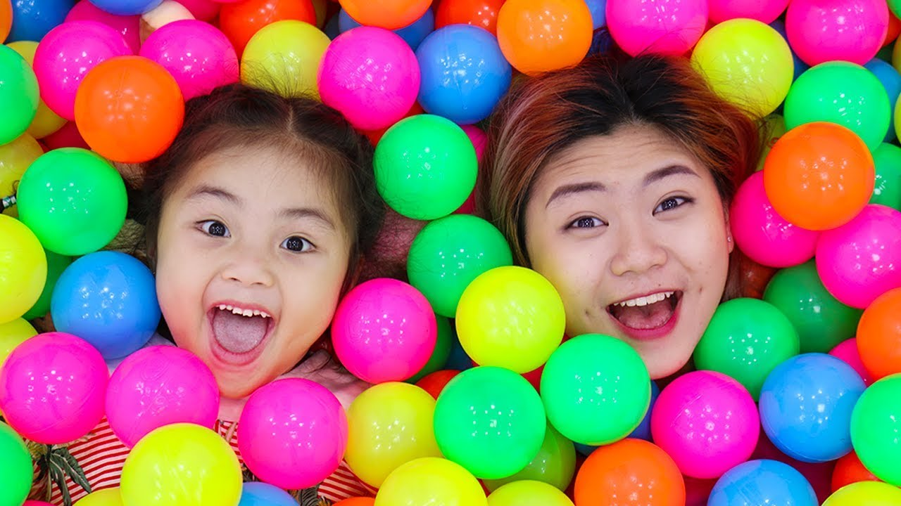 Download Annie Pretend Play with Magic Wand and Has a Ballpit Party