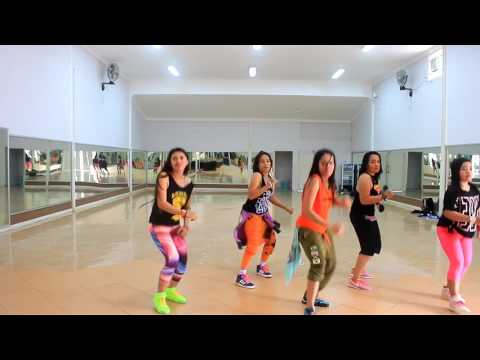 "Zumba "" The Greatest By Sia - Choreo By Chenci At WKM Studio Sangatta Kaltim"