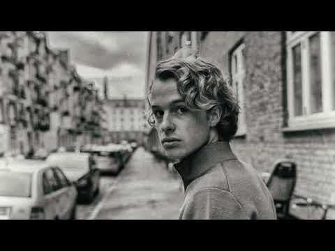 Isak Danielson - Bleed Out (Acoustic Version)