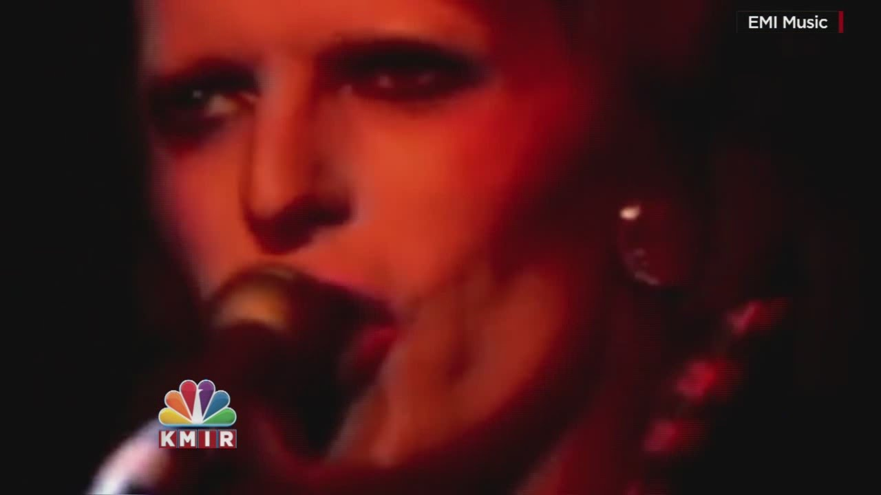 The Coachella Valley mourns the passing of David Bowie - YouTube