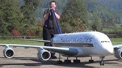 GRÖSSTER FERNGESTEUERTER AIRLINER MODELL A-380 SINGAPORE AIRLINES