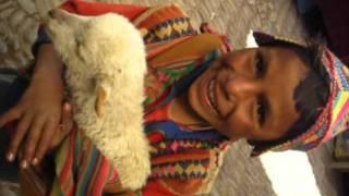 Niño Hablando Quechua