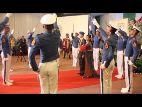 Tradisi Pedang Pora TNI AD Pernikahan Lettu Cpm M.C. Raumoko & Eki Putri - Part 4