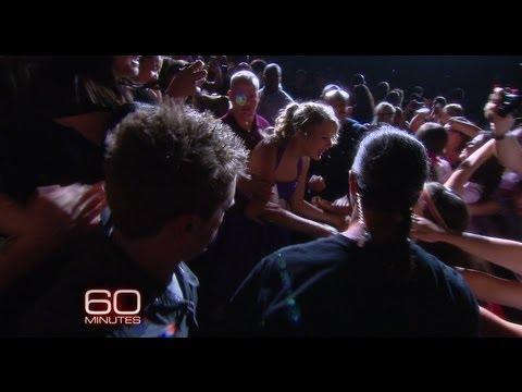 Taylor Talks Hugging Fans - 60 Minutes, Sunday Nov 21 @ 7/6c CBS