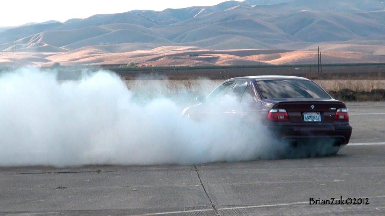 BMW E39 M5 Burnout - YouTube