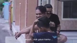 Download Video Anak Kecil Gaya Memakai Pomade.. MP3 3GP MP4
