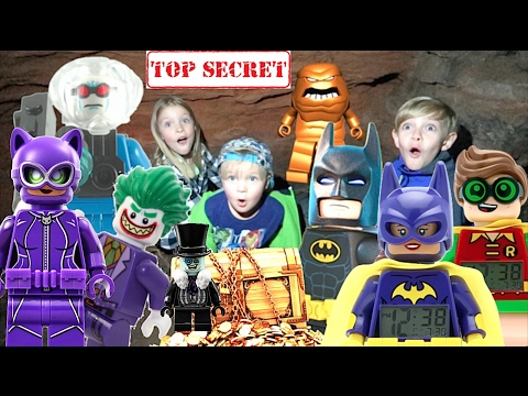 KIDS AWESOME TREASURE HUNT WITH LEGO BATMAN, BATGIRL, ROBIN, CATWOMAN, AND PENGUIN!