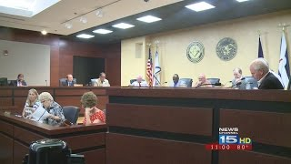 """City council overrides mayor's veto on """"right to work"""" ordinance"""