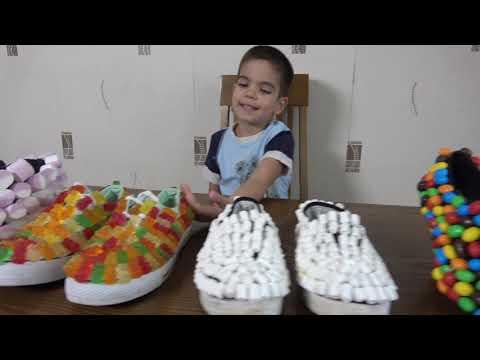 Андрей играет в продавца сладких туфлей Видео для детей
