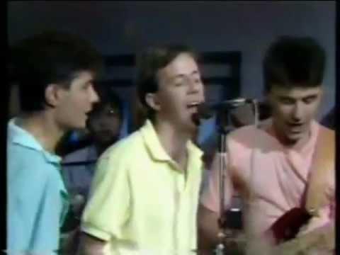 Honorable Sociedad - Groenlandia  / lyrics letra / en vivo 1988